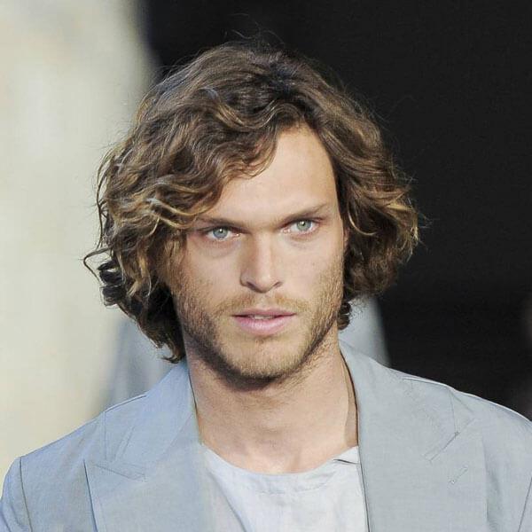 Model Rambut Ikal Pria Curly Bob