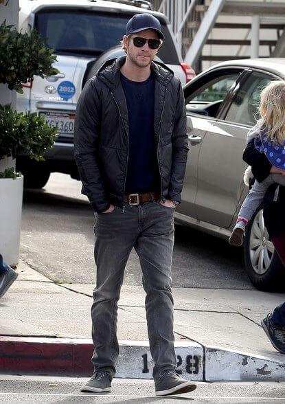 Aktor Pria Tinggi - Liam Hemsworth