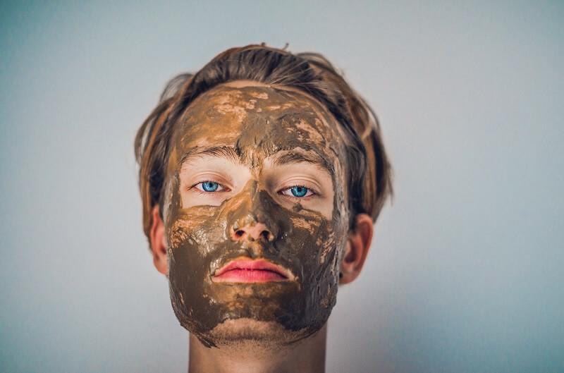 Perawatan Wajah dengan Masker Lumpur