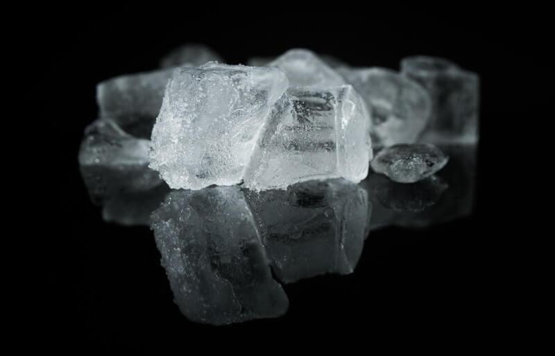 Es Batu untuk Mengatasi Jerawat