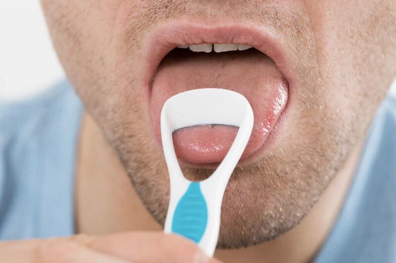 Cara Jitu Menghilangkan Bau Mulut Saat Puasa - Bersihkan Lidah
