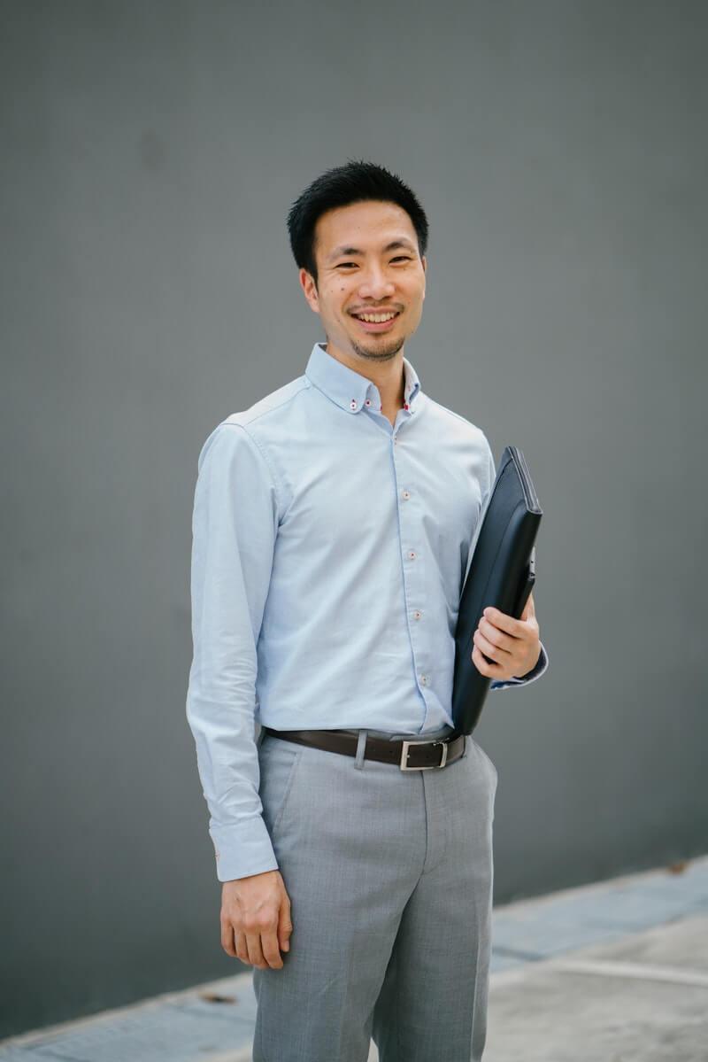 Cara Berpakaian Pria Kurus agar Terlihat Gemuk - Gunakan Baju Slim Fit
