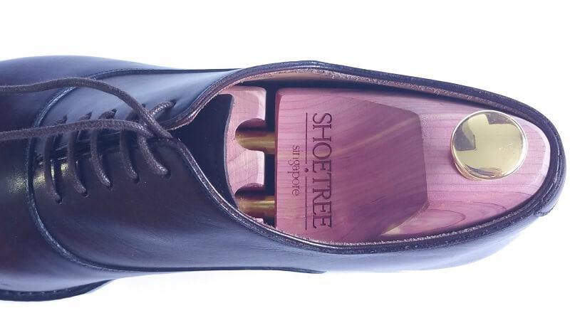 Tips Saat Menyemir Sepatu Kulit