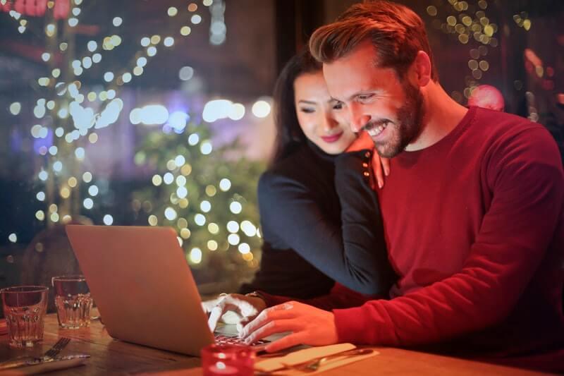 Keuntungan Memiliki Brewok - Makin Mesra dengan Pasangan