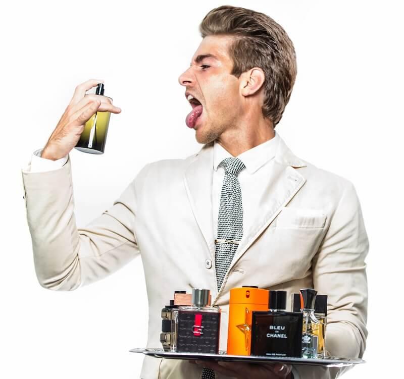 Kesalahan grooming pria - Terlalu Banyak Semprotan Parfum