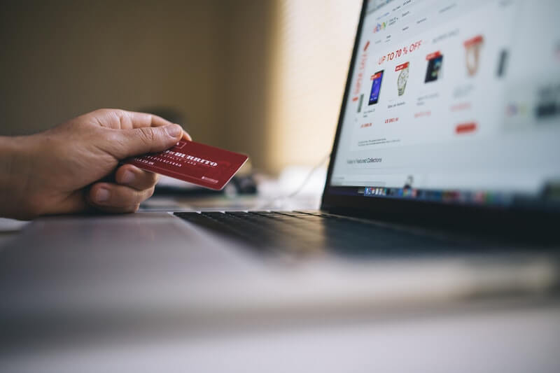 Belanja Tanpa Uang atau cashless transaction