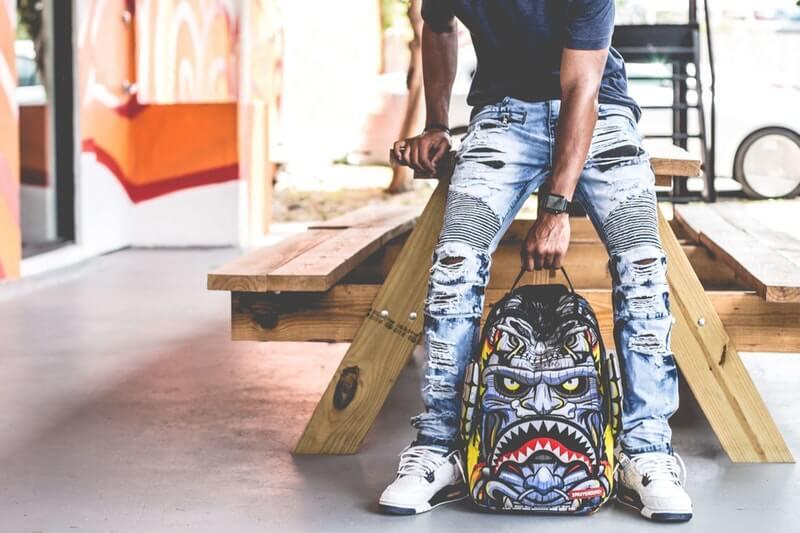 Lakukan swakarya DIY Ripped Jeans