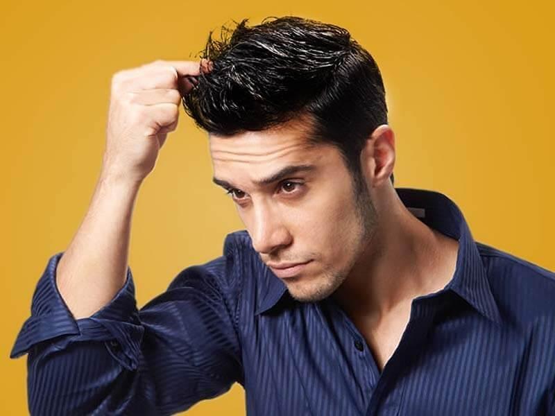 Kesalahan grooming pria - Terlalu Banyak mengolesi Pomade Gel
