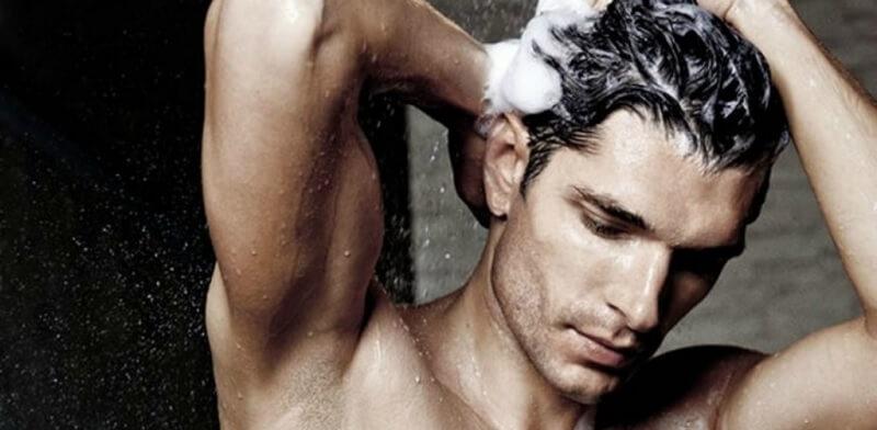 Kesalahan grooming pria - keramas terlalu cepat