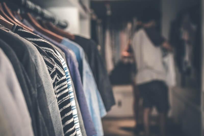 Beli Koleksi Pakaian Musiman di Luar Musimnya agar Dapat Harga Murah