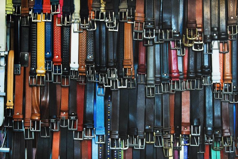 Berbagai jenis ikat pinggang pria - kasual dan formal
