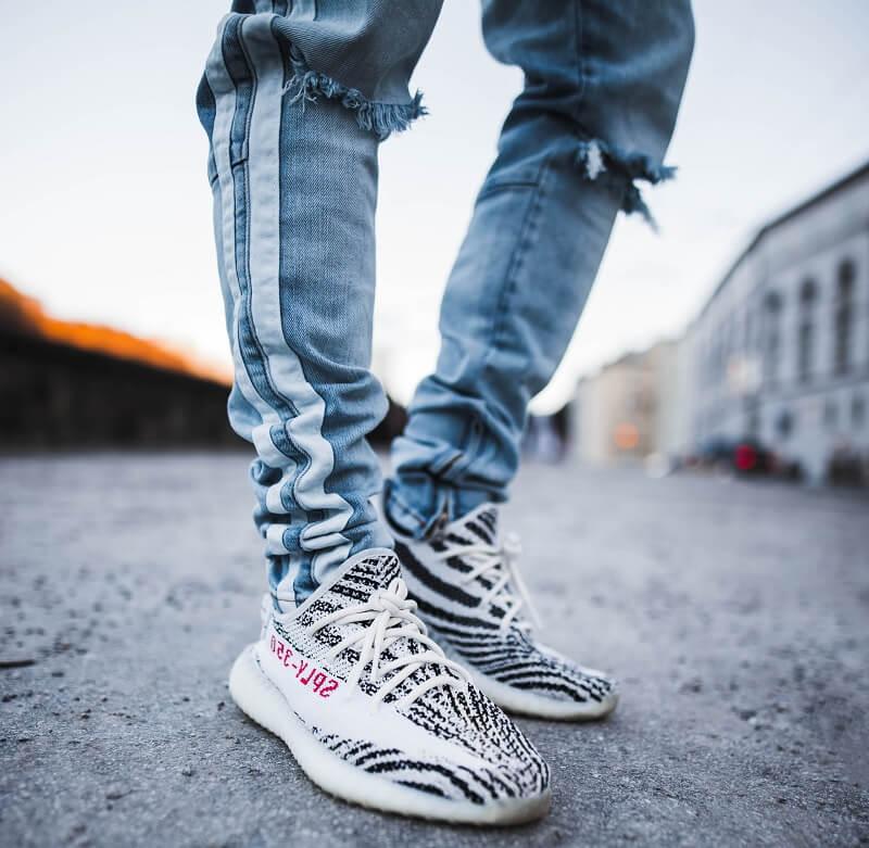 Sepatu Adidas Yeezy Boost