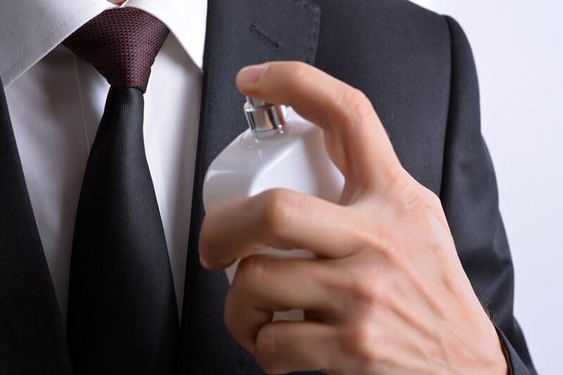 Kesalahan Menggunakan Parfum pada Pria