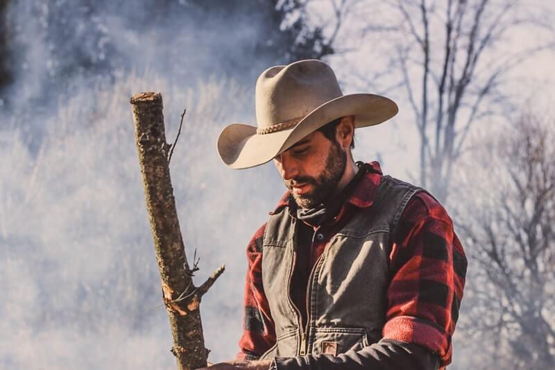 Topi Koboi - Jenis Topi Pria yang Cocok untuk Wajah Oblong atau Segitiga