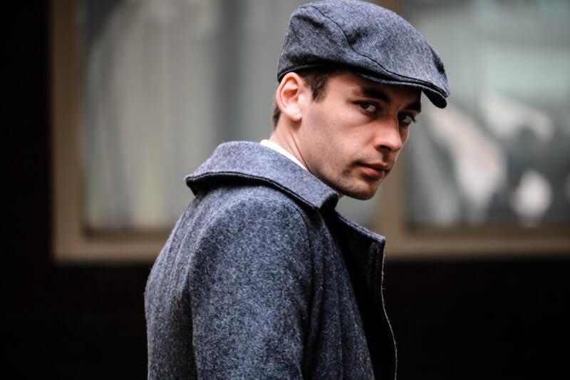 Flat Cap - Model topi pria yang pas untuk wajah kotak