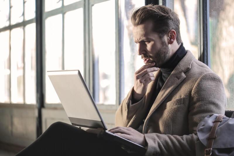 Kebingungan Memilih Produk Fashion Pria di Toko Online?