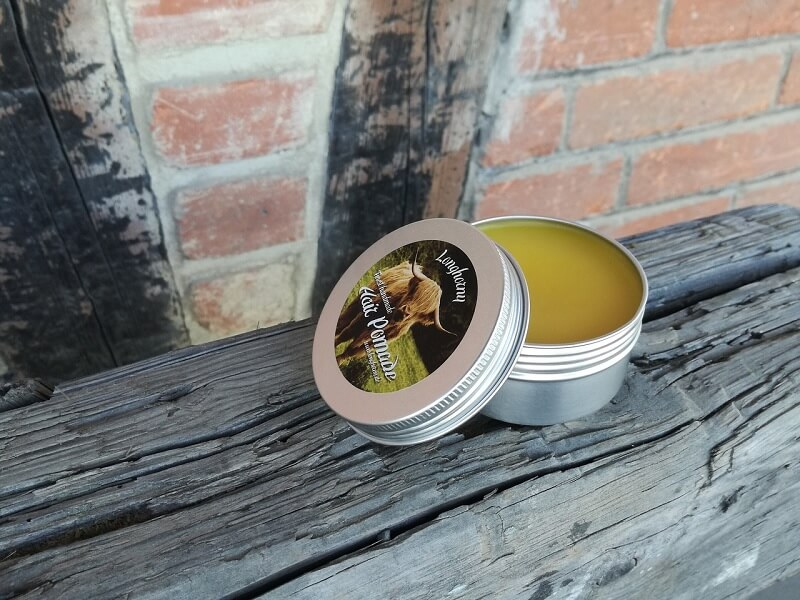 Berbagai karakteristik pomade - shine, hold, texture, scent