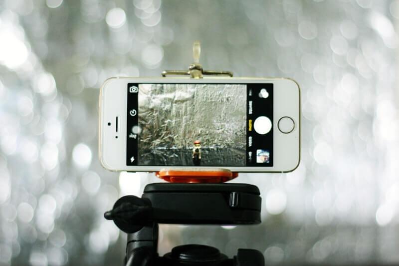 Keuntungan Memakai Tripod Smartphone