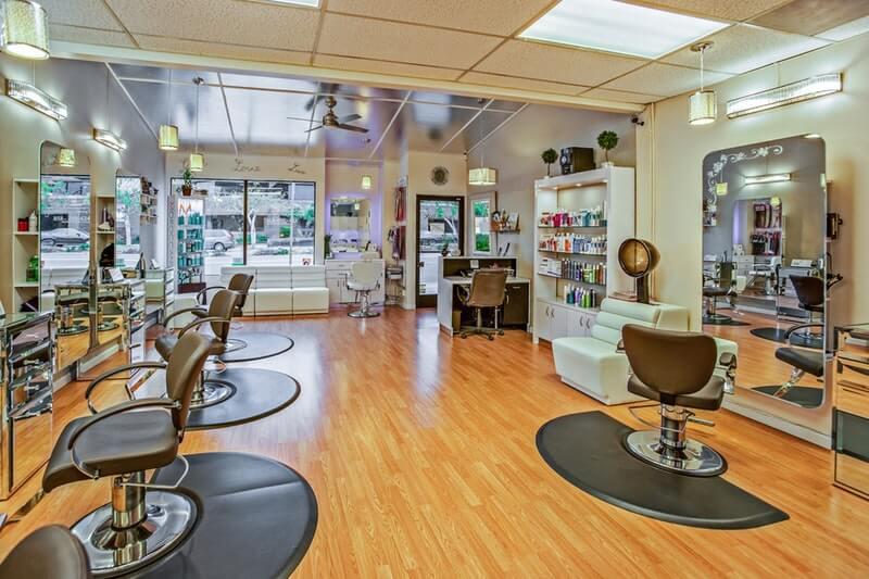 Keuntungan Mencukur Rambut di Salon
