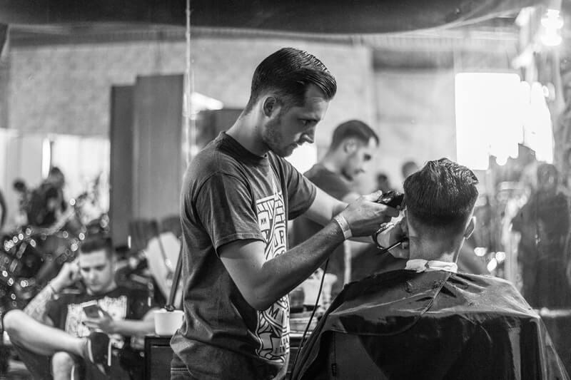 Kerugian Mencukur di Barbershop