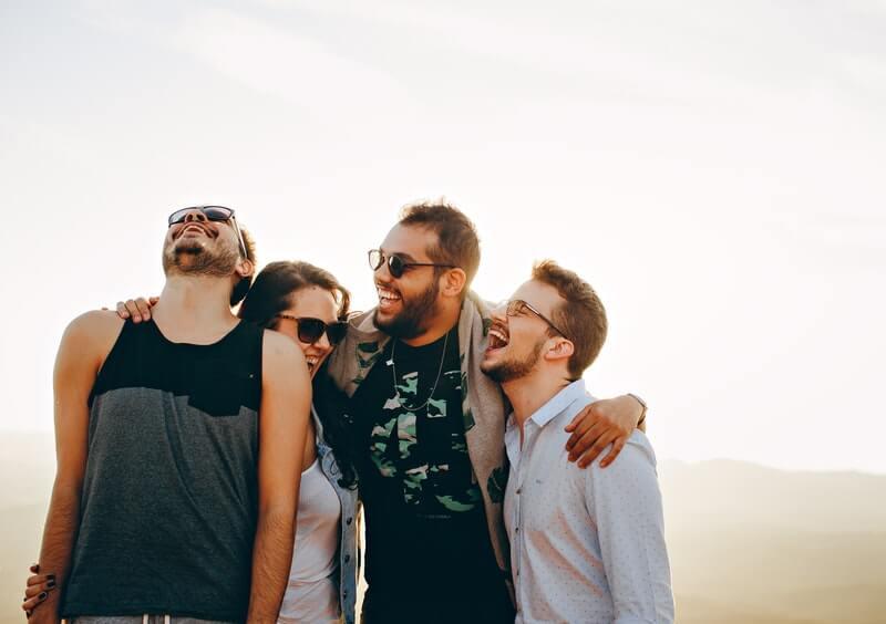 Menjaga Hubungan dengan Teman