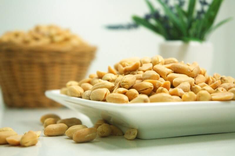 Makan Kacang
