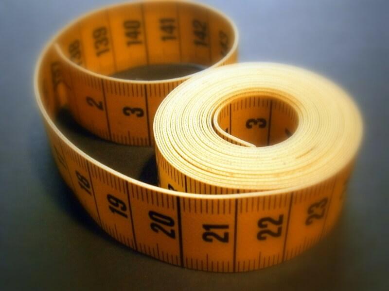 Bagaimana mengukur tubuh Anda sendiri sebelum membeli pakaian