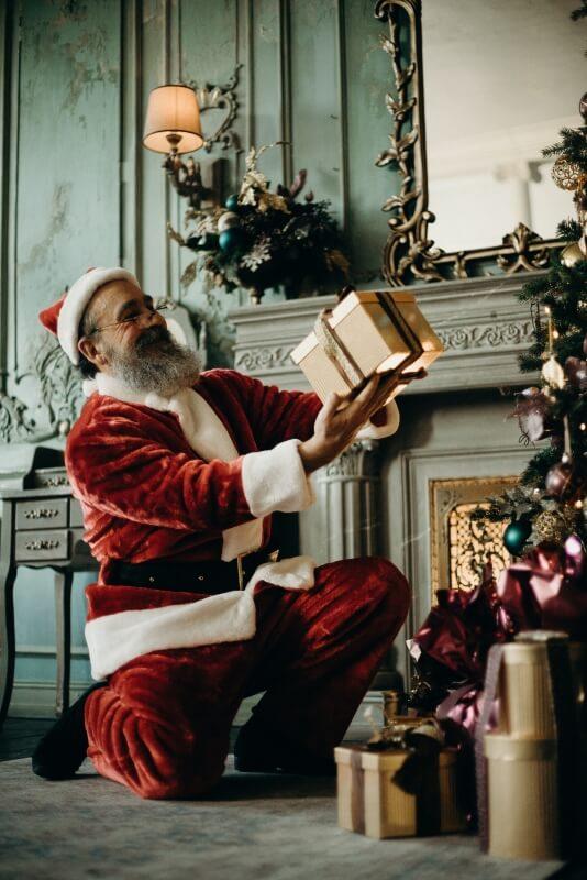 Pakaian Santa saat Natal