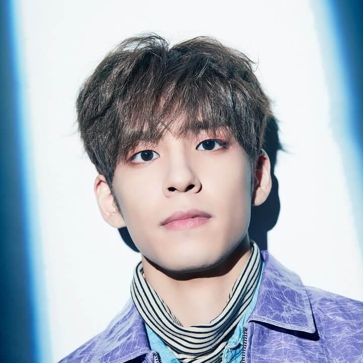 Gaya rambut pendek pria Korea Messy Hair
