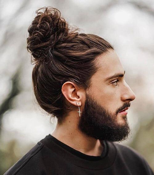 Model Rambut Panjang Pria - Full Bun