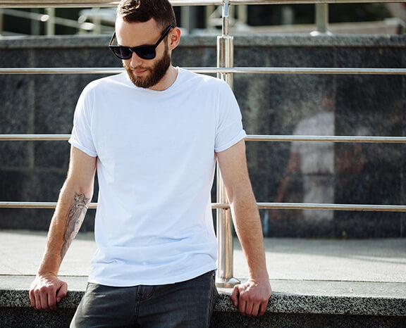 Perhatikan Detail Warna dan Motif Baju Pria