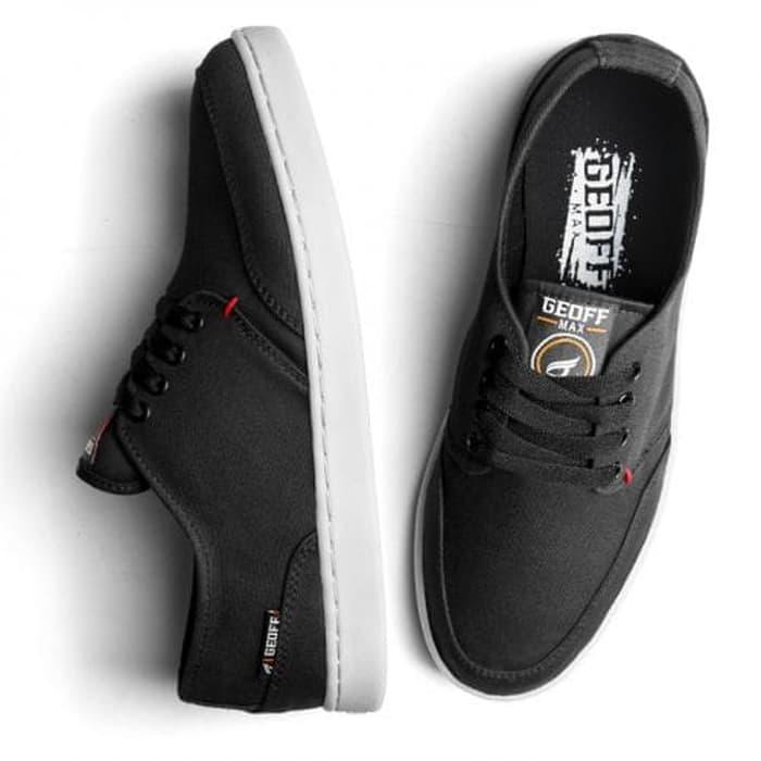 Sepatu Geoff Max