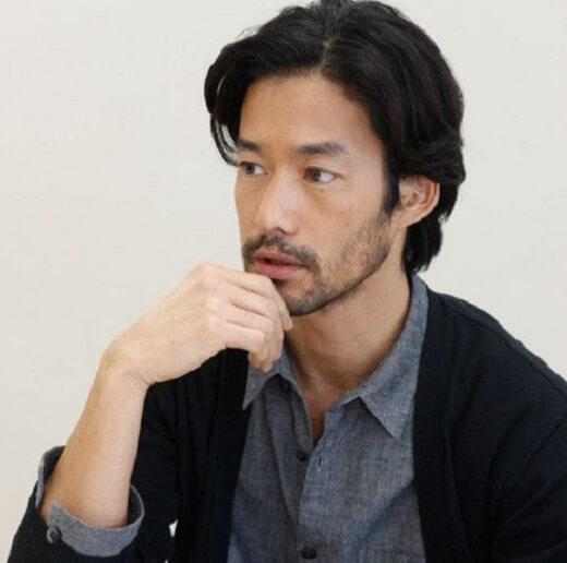 Gaya rambut Middle Part untuk Pria Jepang