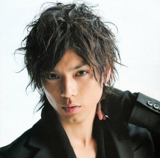 Gaya rambut Messy Hair pria Jepang
